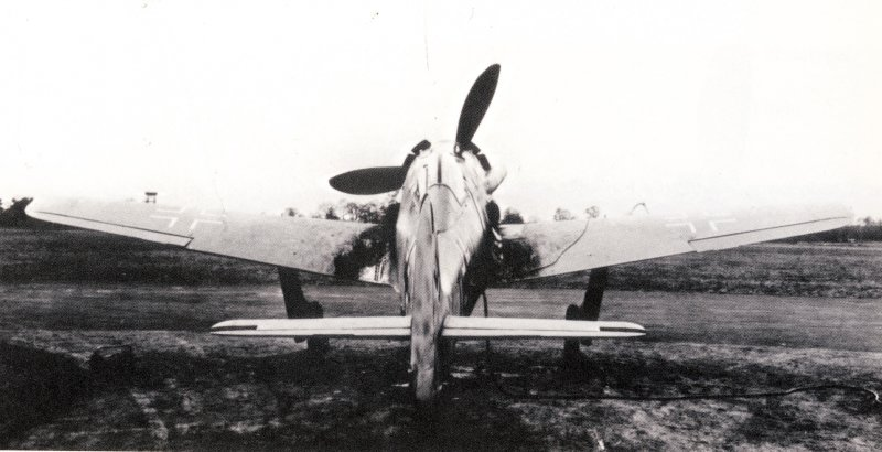 Fw 190 V21, first form of the cowling. Source: www.flugzeugforum.de/threads/71749-Focke-Wulf-FW190-Prototypen-V20-und-V21 and following folgende